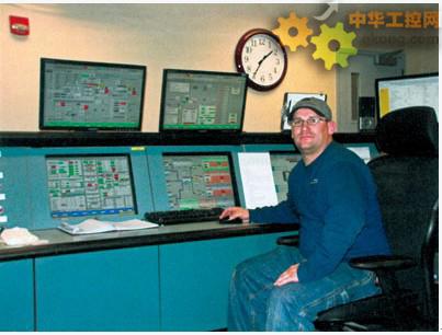 人机界面、监视器以及控制室的布局进行了重新排布.控制面板